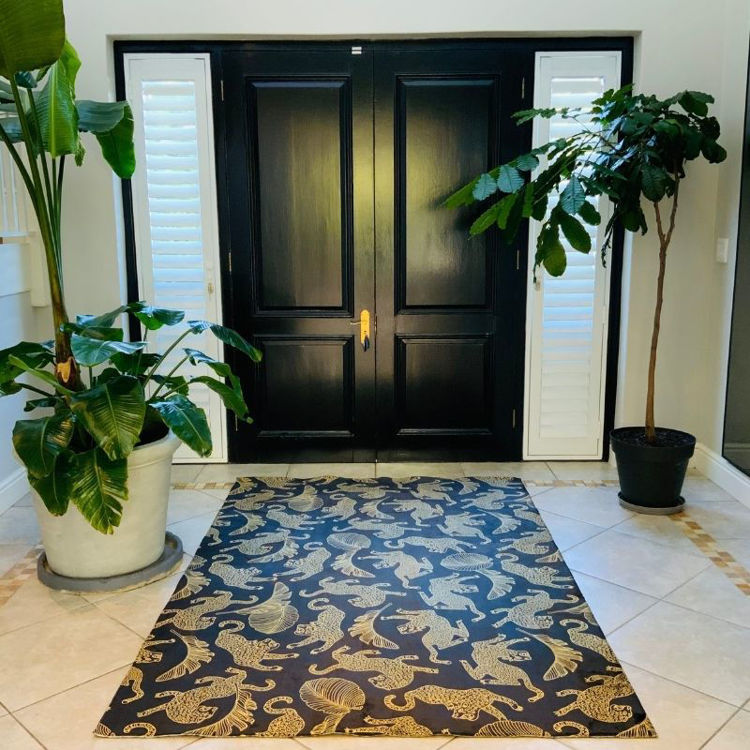 Picture of LEOPARDS AND LEAVES GOLD ON BLACK (PRINTED RUG)